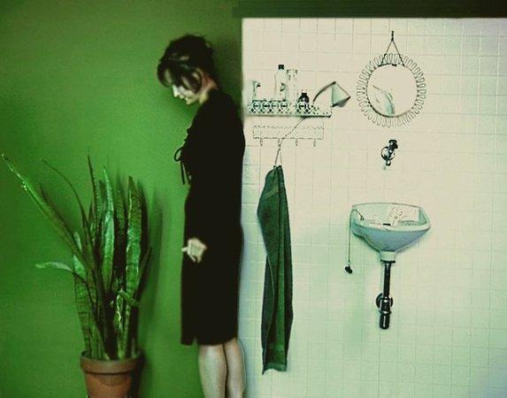 Rebecca Carter, Anne Speier, Flora Watzal: Bearbeitete Blicke, 18. 12. 2002 - 02. 02. 2003, Image 1