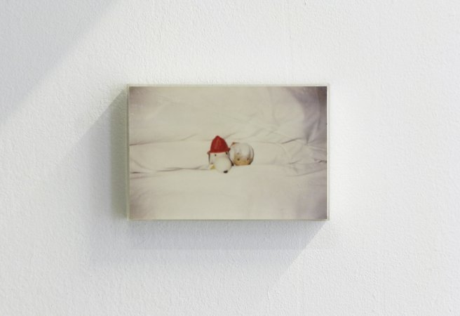 Félix González-Torres, Mina Lunzer, Jan Timme: Ready to Sleep (Arbeitstitel), curated by Sabeth Buchmann, Galerie Mezzanin Vienna, 03.10.–08.11.2014, Image 6