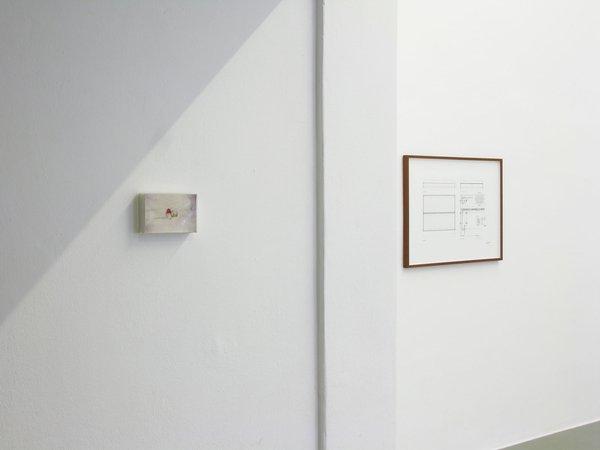 Félix González-Torres, Mina Lunzer, Jan Timme: Ready to Sleep (Arbeitstitel), curated by Sabeth Buchmann, Galerie Mezzanin Vienna, 03.10.–08.11.2014, Image 5