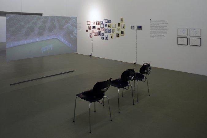 Félix González-Torres, Mina Lunzer, Jan Timme: Ready to Sleep (Arbeitstitel), curated by Sabeth Buchmann, Galerie Mezzanin Vienna, 03.10.–08.11.2014, Image 15